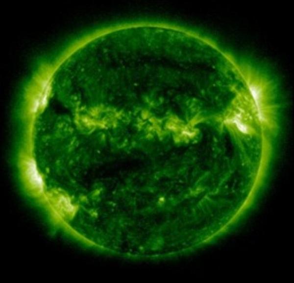 Ультрафиолетовый снимок Солнца в далекой области спектра