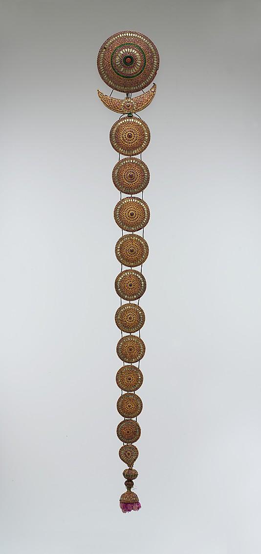 Подвеска, 18 век, Индия, золото, хрусталь, рубины, изумруды, аметисты