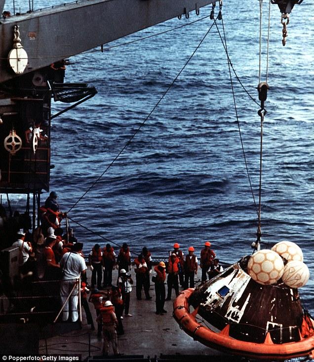 Приводнение Аполлона 13 в Тихом океане в апреле 1970 года