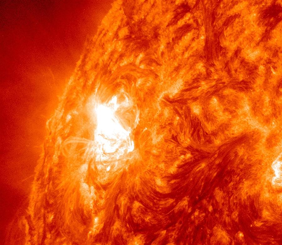 Снимок, сделанный НАСА, показывает гигантское солнечное пятно 3 ноября 2011 года