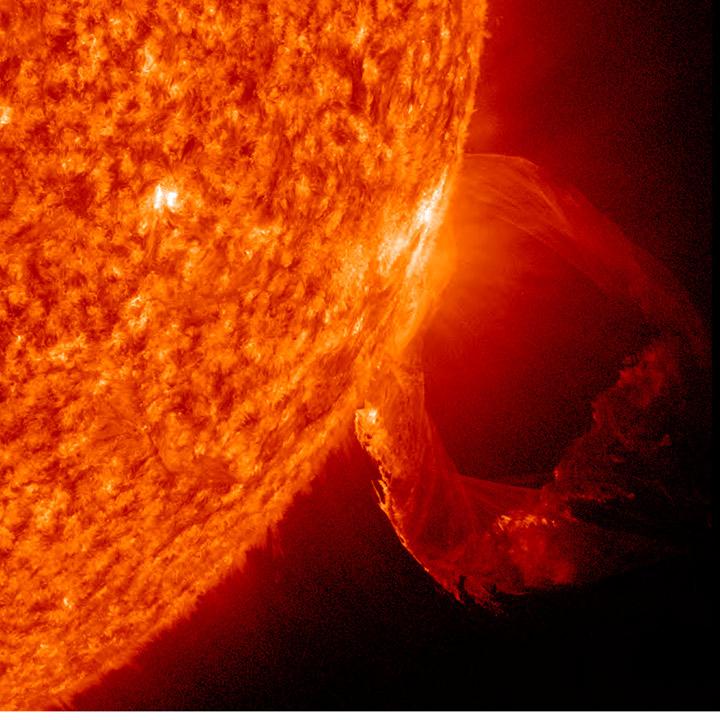 Вспышка на Солнце, зафиксированная НАСА 19 марта 2011 года