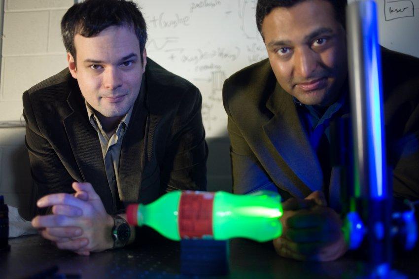 Ученые изобретатели из Массачусетского технологического института Андреас М. Фельтен и Рамеш Раскар