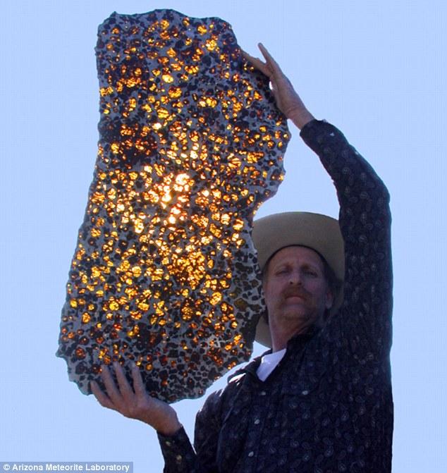 Кусок метеорита Fukang