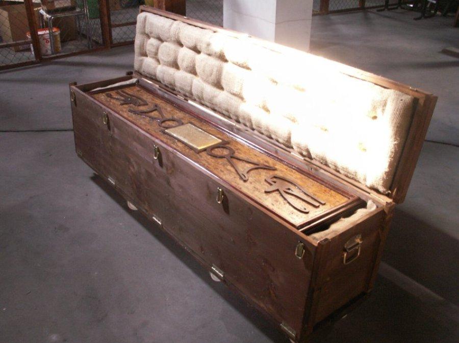 Саркофаг, возможно, был привезен в Германию в 1950-е годы