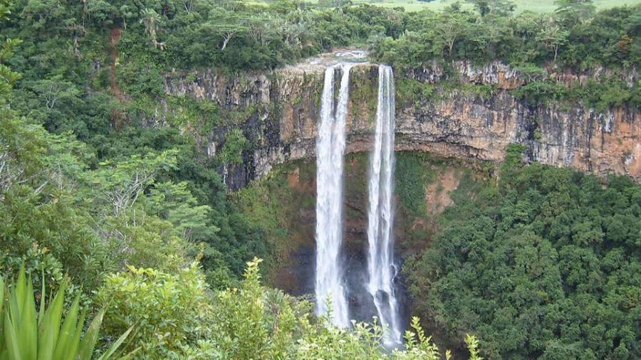 Водопад Шамарель на острове Маврикий