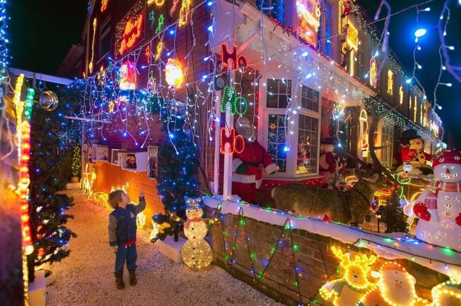 Световое оформление домов с улицы Байрон Клоз, Нью Милтон, Великобритания