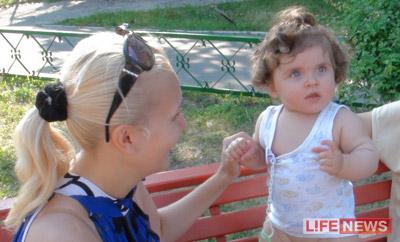 Малышку обследовали столичные врачи