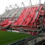 На стадионе в Норвегии обрушилась крыша