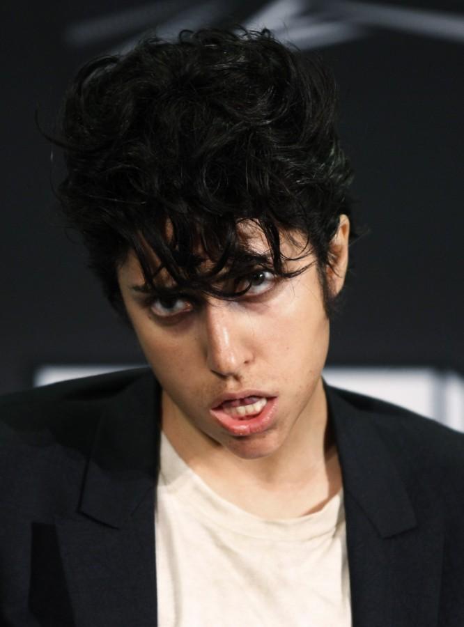 Леди Гага появилась в образе мужчины
