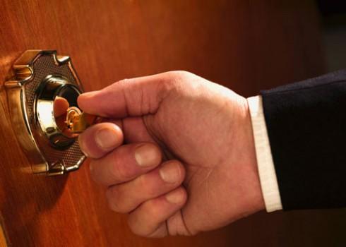 Полиция думала, что вор открыл двери своим ключом