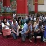 Желающие избавиться от алкогольной зависимости идут в храм