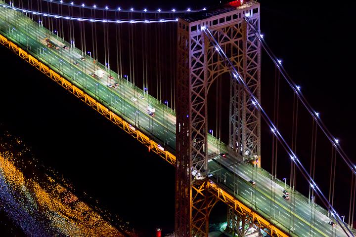 Ночной Нью-Йорк, с высоты птичьего полета, фотограф Evan Joseph