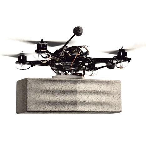Летающие роботы в действии