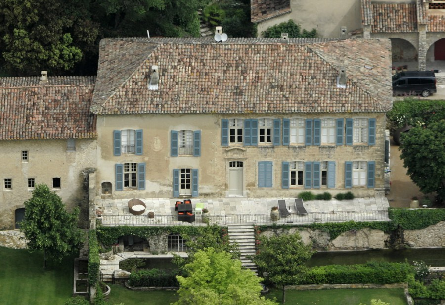 Новая недвижимость знаменитой пары во франции - особняк Chateau Miraval