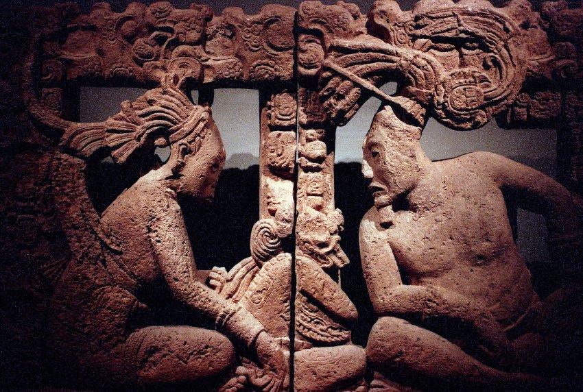 Каменная скульптура Майя из Мексики