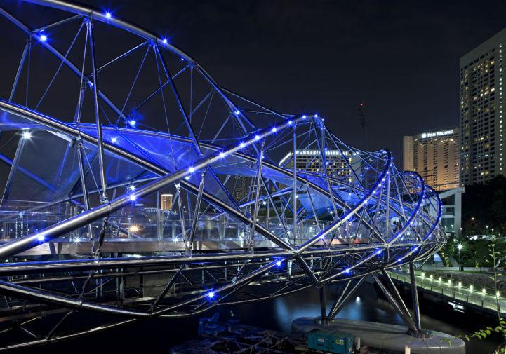 Двойной спиральный Helix мост в Сингапуре