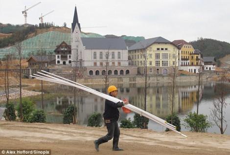 Австрийский Hallstatt, в комплекте с озером, концертным залом и роскошными домами в Китае
