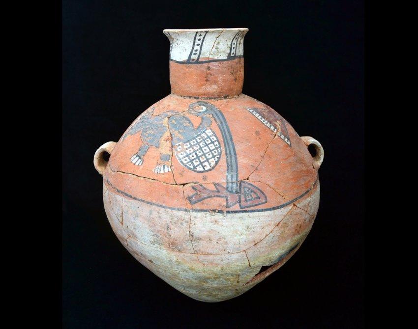 Керамическая ваза из захоронения