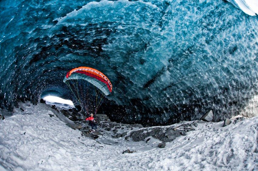 Полет на параплане в пещере Валдес
