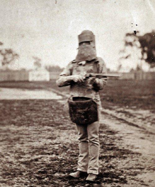 Нед Келли с оружием в Мельбурне