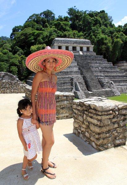 Также мексиканцы охотно посещают города майя