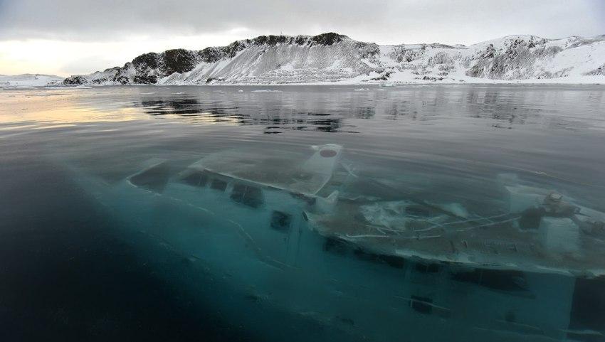 """Яхта """"Mar Sem Fim"""" - жертва льда"""
