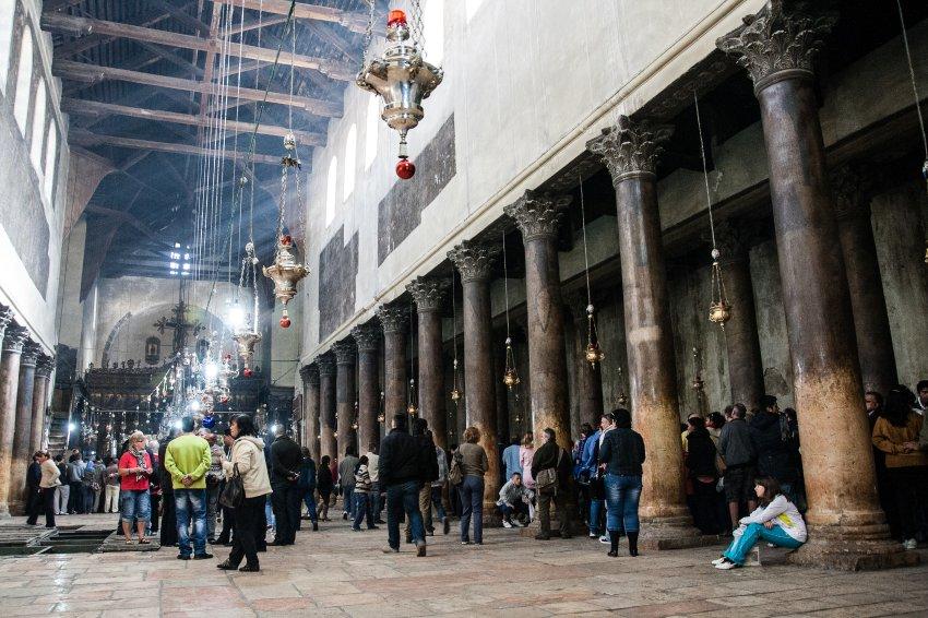 Церковь Рождества Христова в этом году полупустая