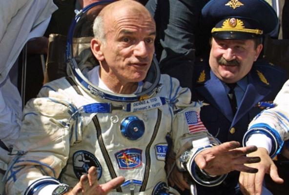 Деннис Тито после возвращения из Космоса