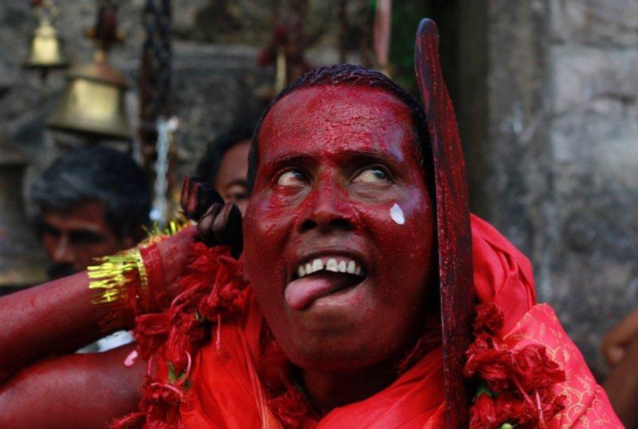 Фестиваль змей в честь богини Манасы
