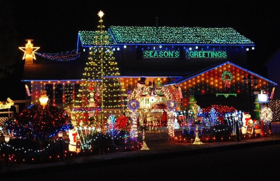 Победитель рождественского освещения своего дома в Ванкувере, Канада.