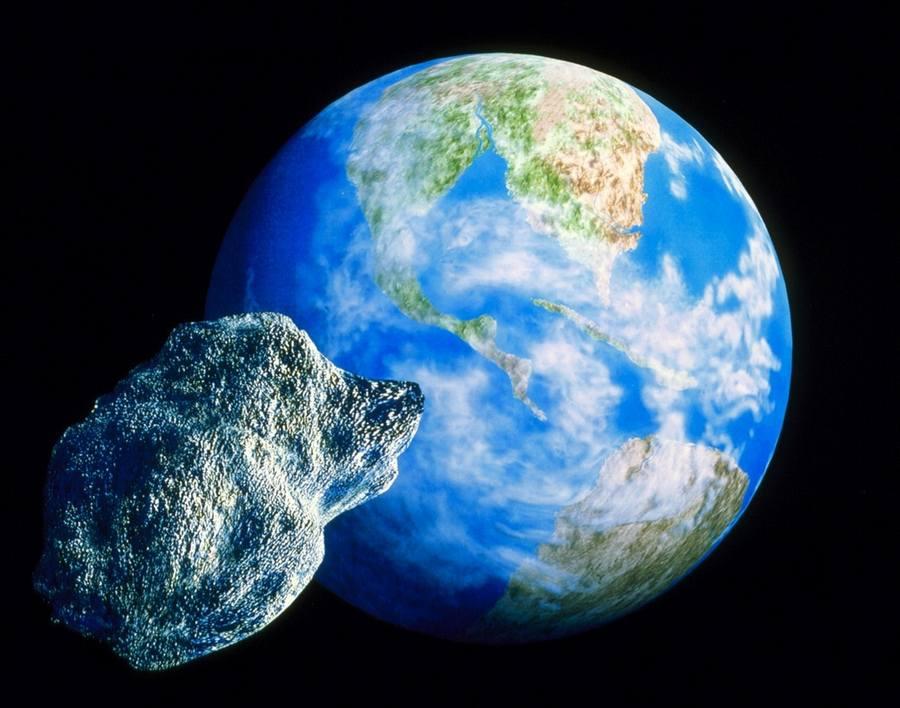 Астероид 2014 AA был обнаружен утром 1 января на американской обсерватории Маунт-Леммон.